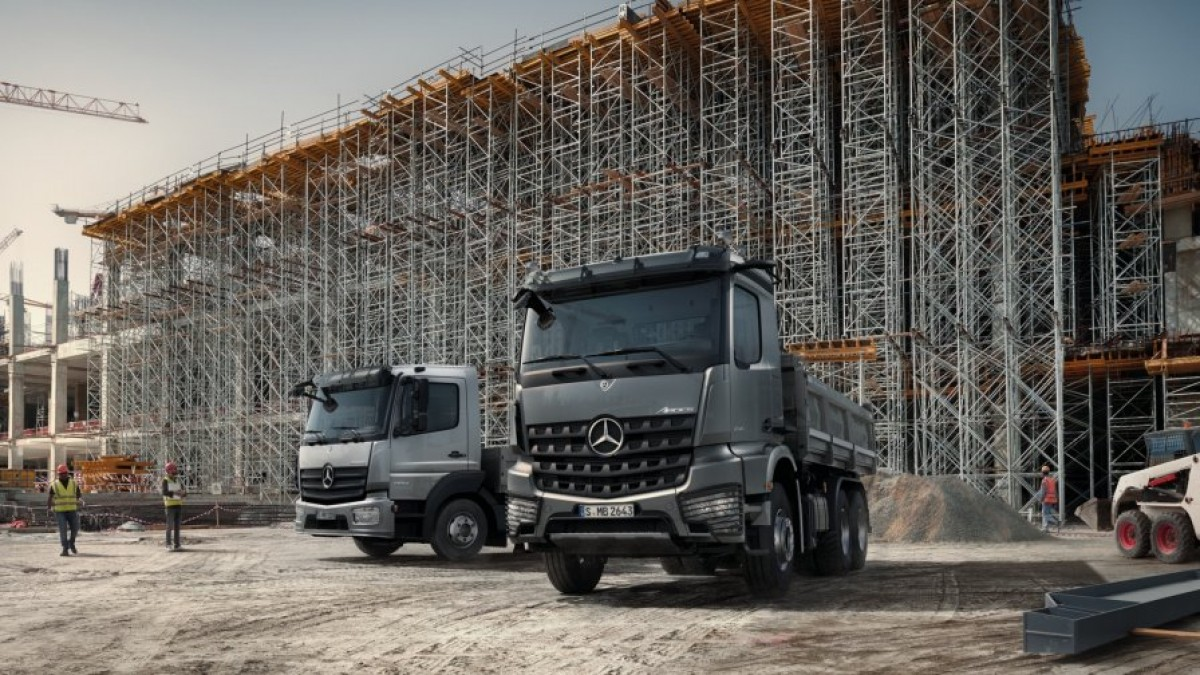 Mercedes-Benz-Trucks-UK-New-Arocs