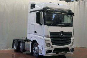 Actros 2545LS BigSpace 2.5m Level Floor