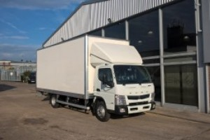 FUSO Canter 7.5t Box